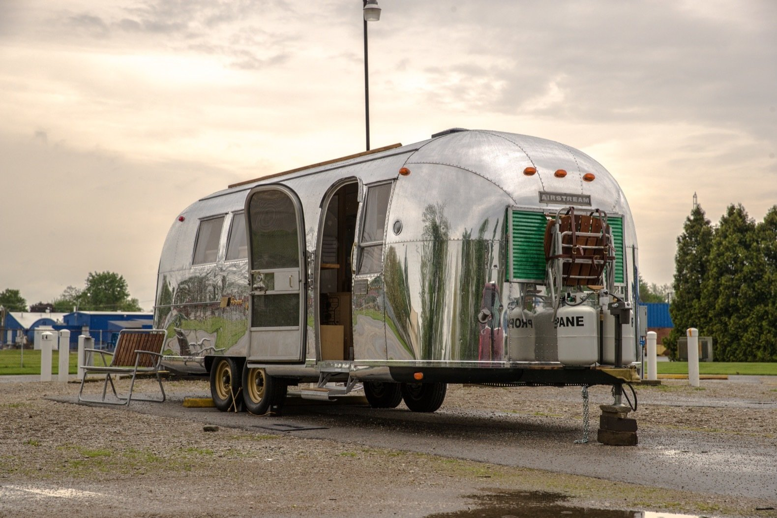 Best Photos from An Old Airstream Is Transformed Into a