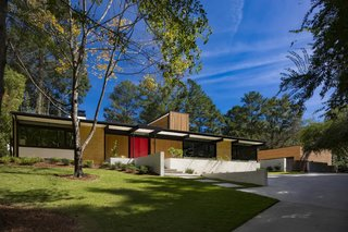 The architects removed the carport to improve views of and from the house.