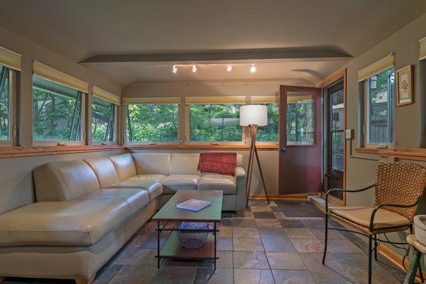 Best 60+ Modern Living Room Track Lighting Design Photos And ...