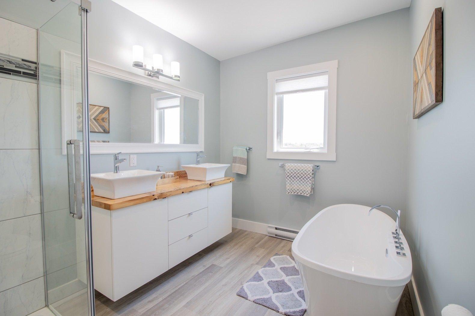Recycle House bathroom