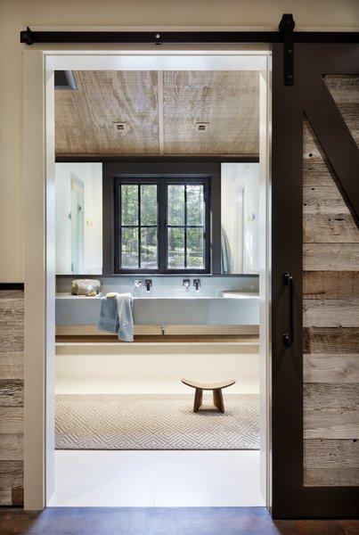Best 60 Modern Bathroom Porcelain Tile Floors Design Photos