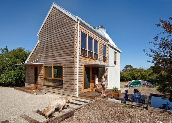A Chicory Kiln Becomes a Sustainable Vacation Home With Endless Flexibility