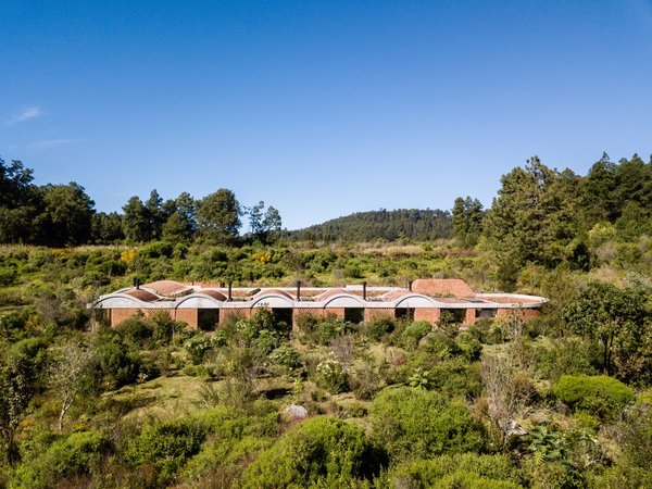 Located on a relatively flat and remote 2.5-acre plot, Casa Terreno occupies two temperate zones (forest and prairie) on a sparsely populated mountain in Valle de Bravo, Mexico.