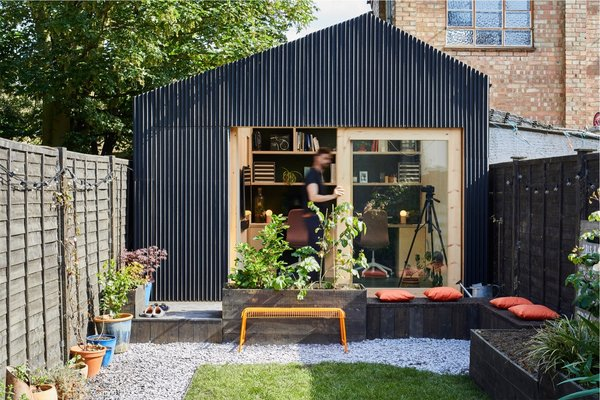 An Architect Builds an Elegant Modular Office in His Backyard Garden For $15K