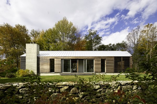 A Farmhouse-Inspired Home in the Hudson Valley Taps Into the Power of Prefab