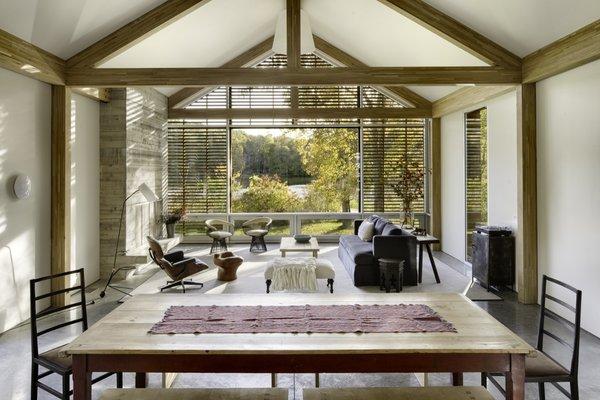 On the recommendation of a close friend, the couple flew to Texas to meet the team behind the award-winning architecture firm Lake|Flato, whose Porch House program seemed to offer the perfection solution to the family's quick-build needs.