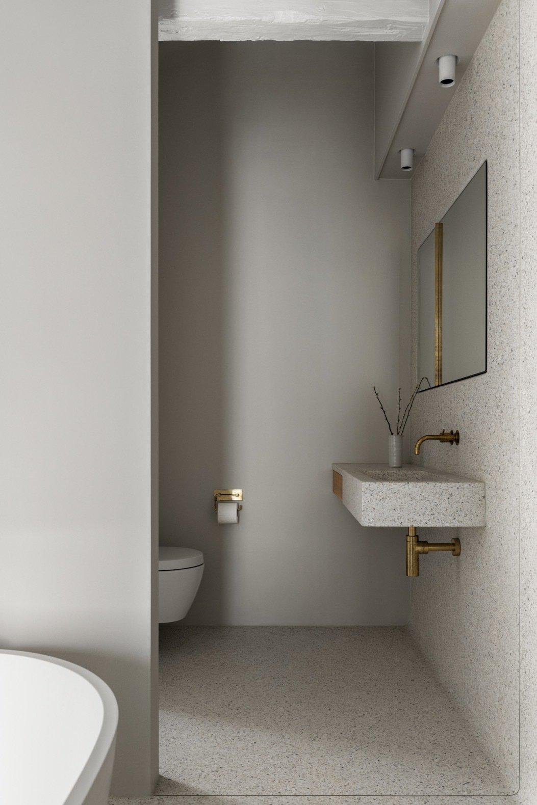 Stable House Frama bathroom