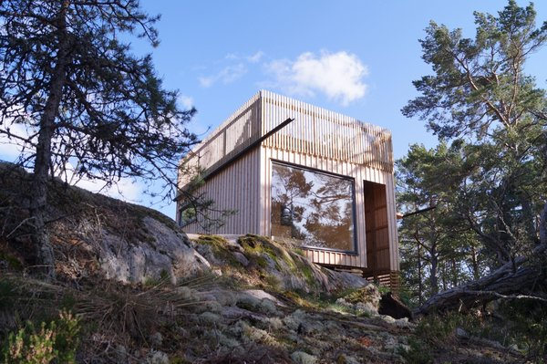 """""""The clients wanted a house that blended into nature,"""" notes Berensson."""