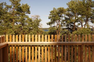 Strategically located on the western rock, the sauna includes a roof terrace with a view of the inner archipelago.
