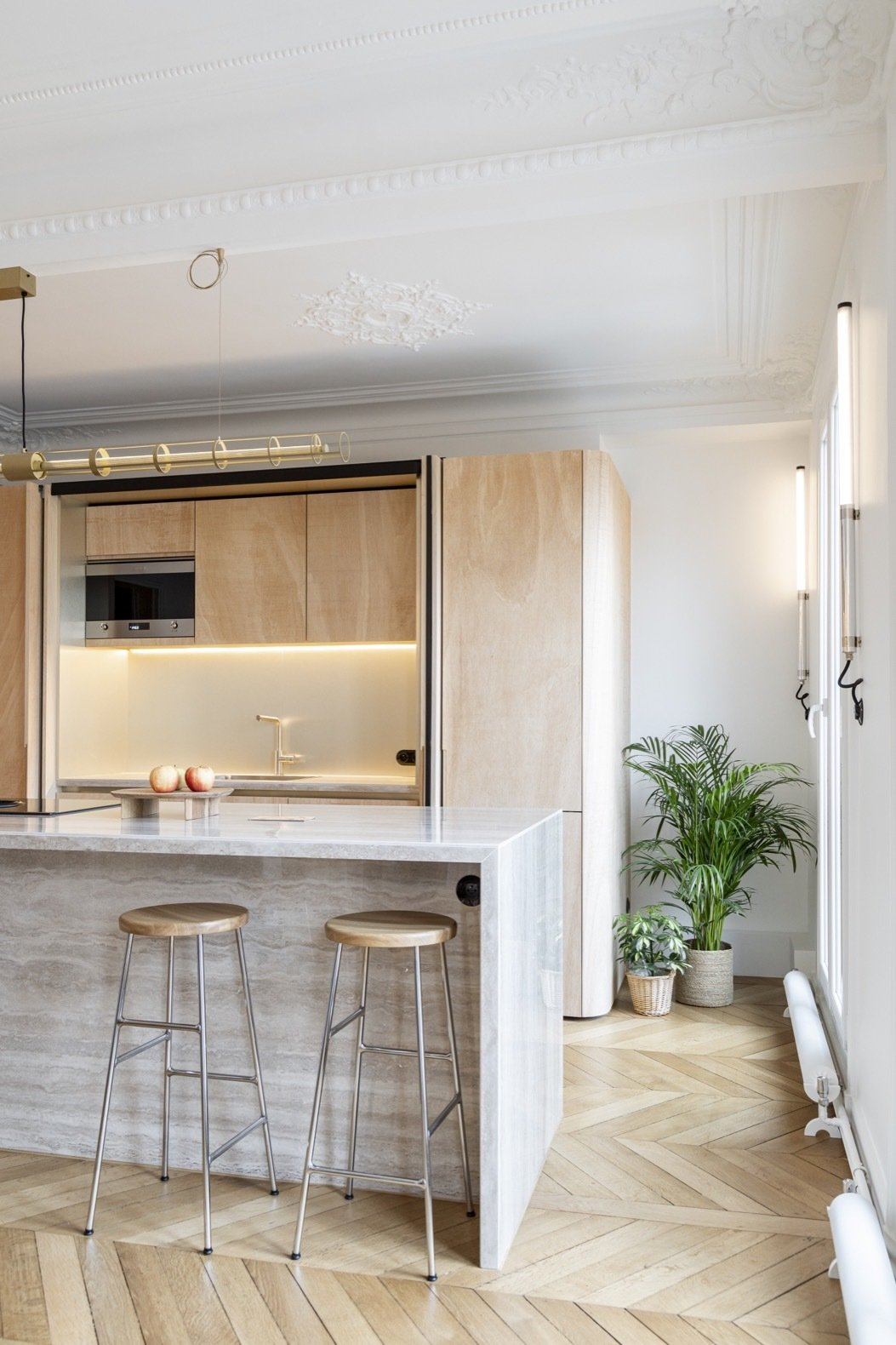 Wood Ribbon in Paris Apartment kitchen