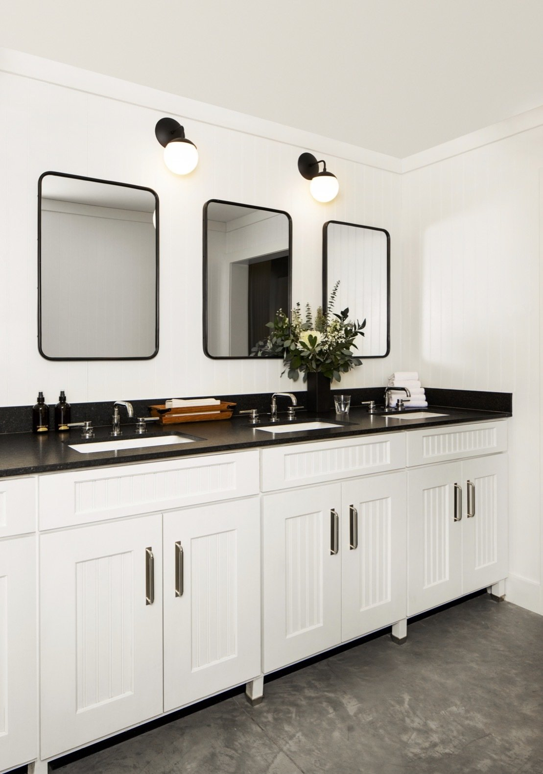 Cache House by Studio Tack shared bathroom