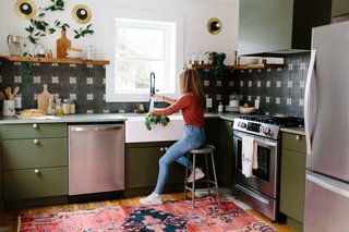 Before & After: A Run-Down Row House in Pennsylvania Gets Adventurous With Color