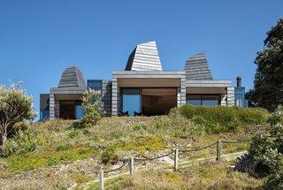 A Coastal New Zealand Home Mines Starlight and Sunshine With Massive Light Wells