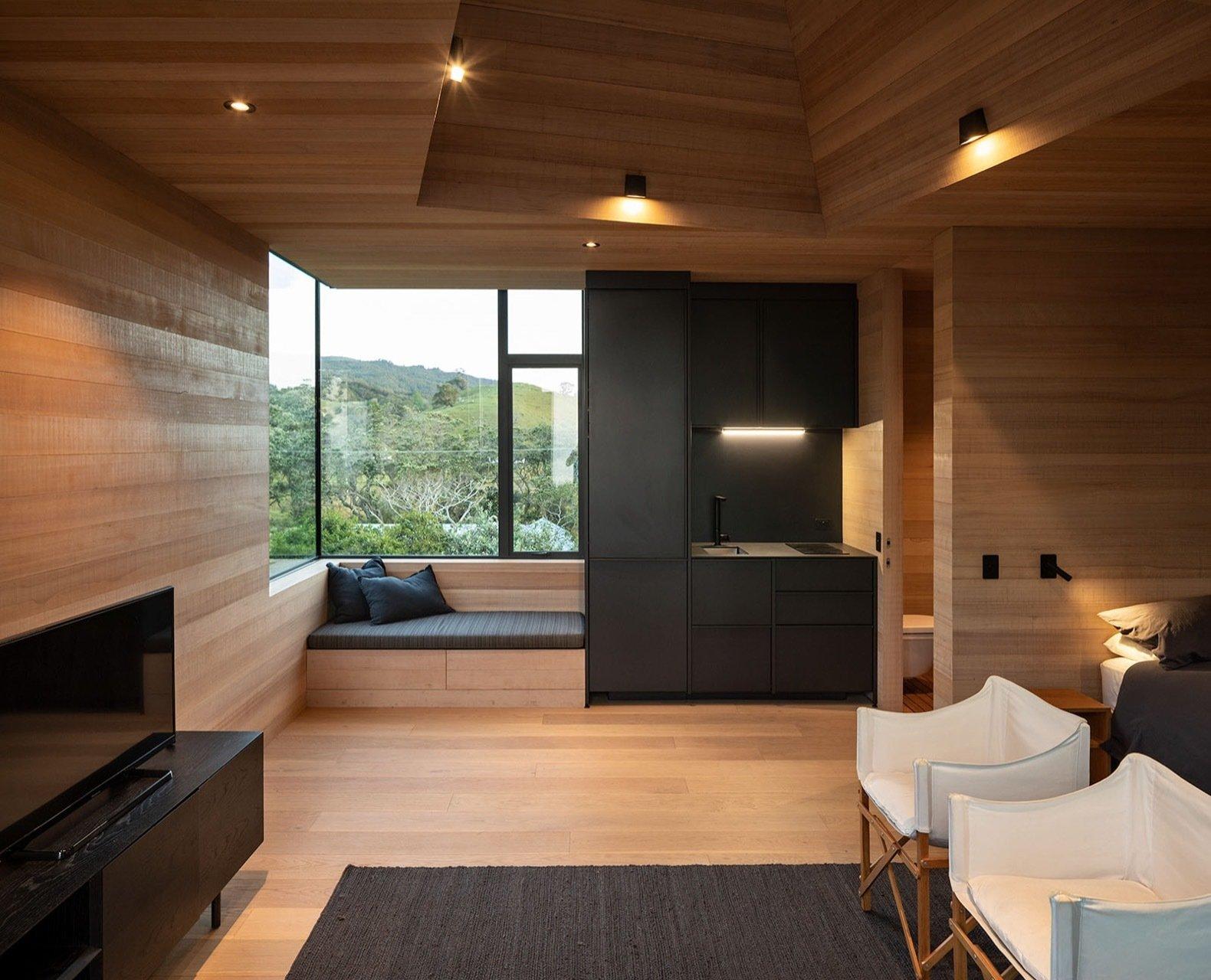 Light Mine  guest suite