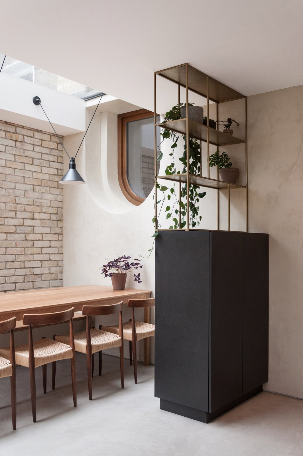 Glyn House by Yellow Cloud Studio dining area