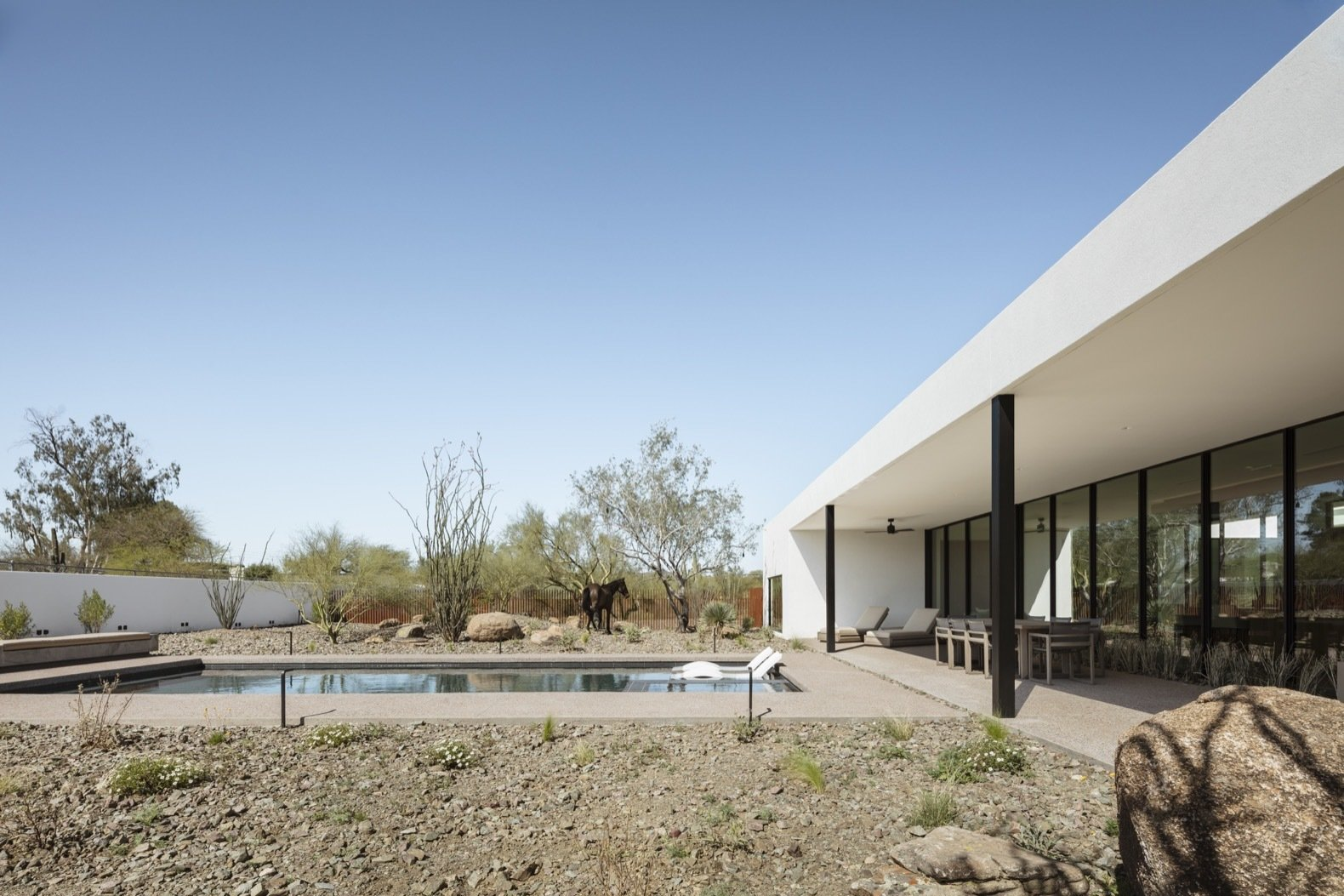 O-asis House by The Ranch Mine pool