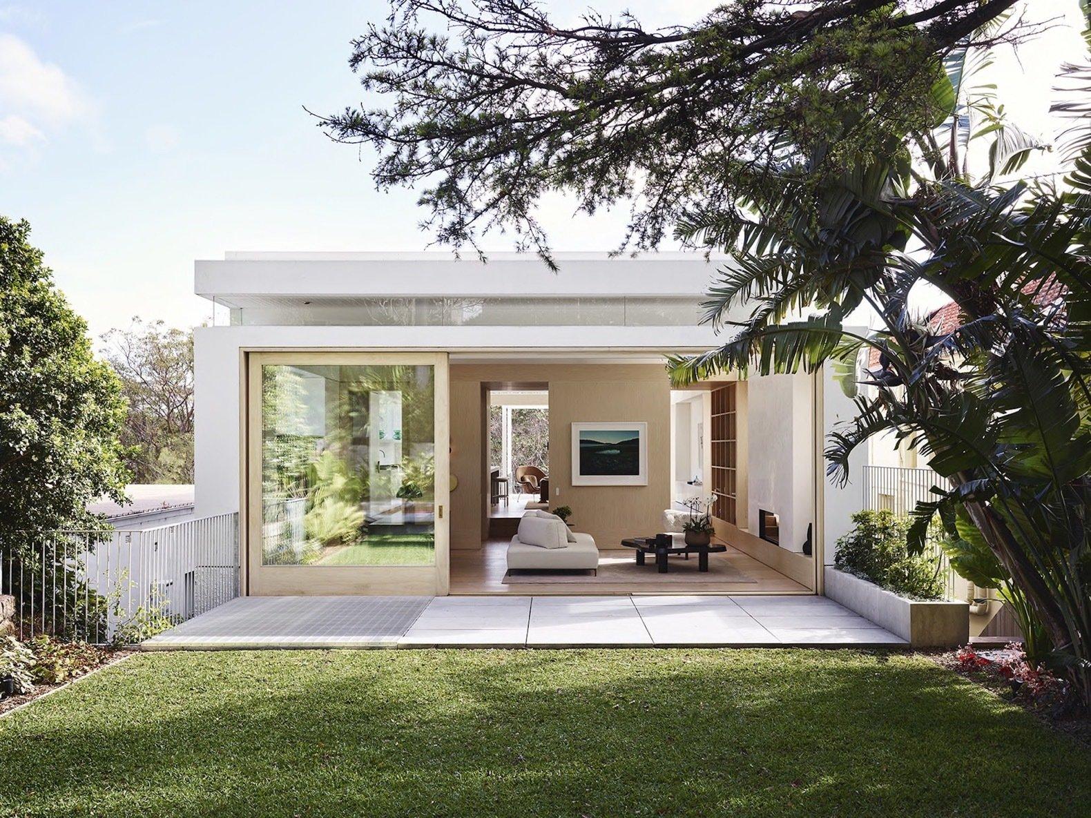 Garden of Tree House by Madeleine Blanchfield Architects