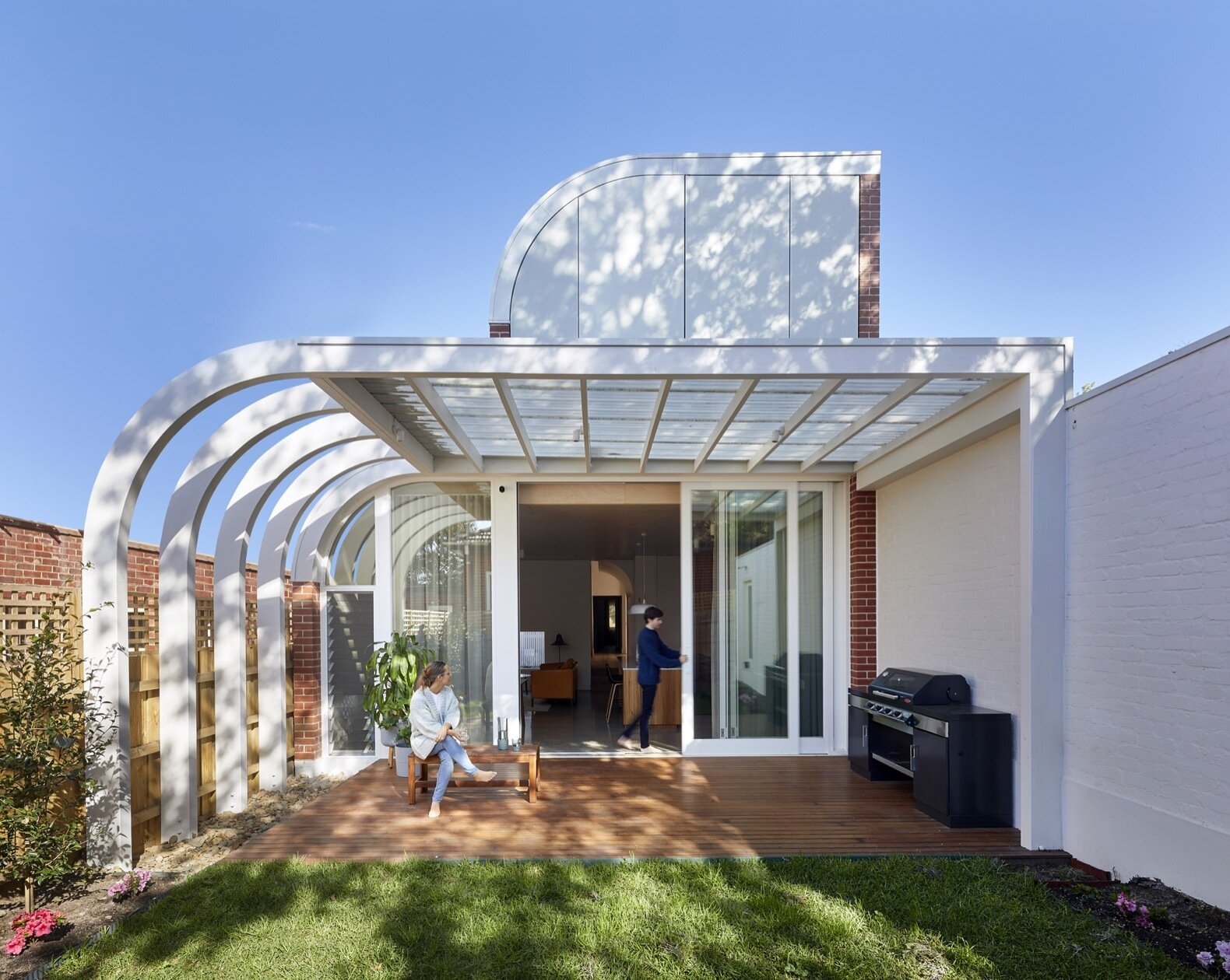 An Art Deco–Inspired Extension Graces a 1930s Cottage in Melbourne