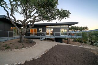 A Fire-Resistant Home on Tricky Terrain Taps Into the Power of Prefab