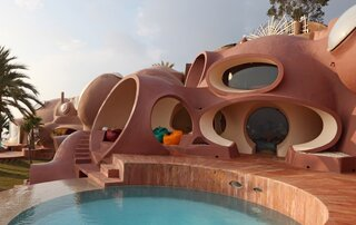 Pierre Cardin's Retro-Futuristic Bubble Palace in Cannes Is On the Market
