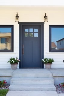 The Perfect Front Entrance - 2444 Exposition Place
