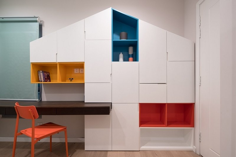 Kids, Bookcase, Bedroom, Light Hardwood, Toddler, and Boy Kidroom  Best Kids Photos from A.P01
