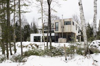 Top 5 Homes of the Week That Double as Winter Retreats - Photo 1 of 5 -