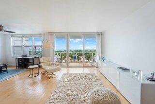 Famed Artist Tracey Emin sells Miami Beach condo for $420,000