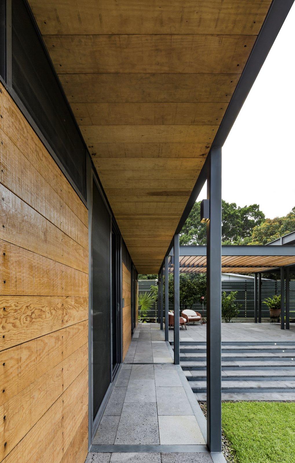 Hallway SOA Soler Orozco Arquitectos . Casa Molina  Casa Molina by SOA Soler Orozco Arquitectos