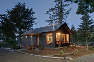 The NEW Jewel Modern Home in Dayton, Oregon by New Energy
