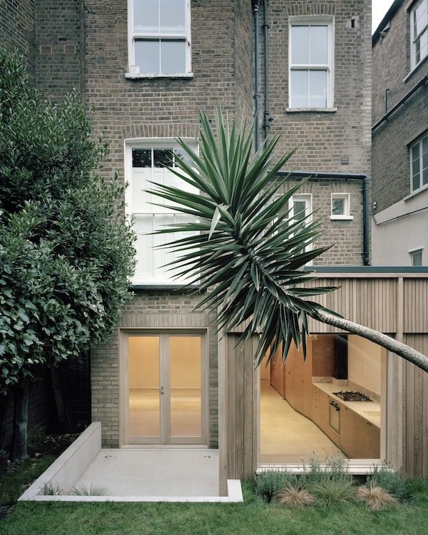 Exterior and House Building Type Leaning Yucca House by DF_DC Architects © Rory Gardiner  Photos from Leaning Yucca House