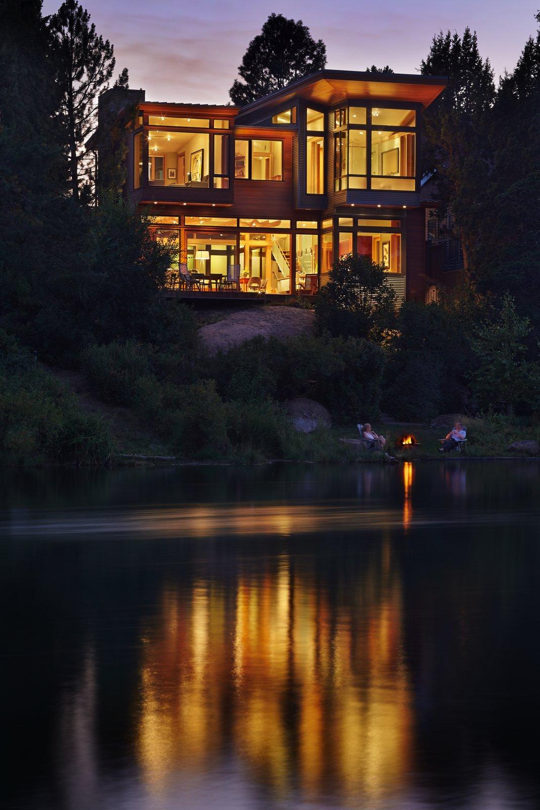 contempor rock river house - HD1067×1600