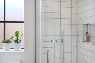Square Matte White Tiles In Bathrooms