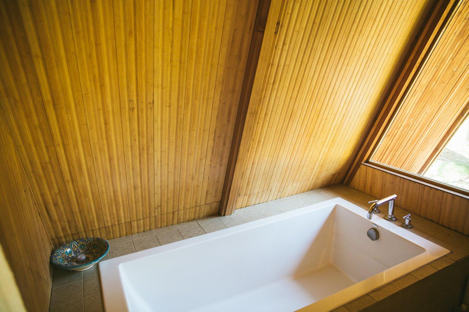 Far Meadow Veronique Lievre Heniz Legle bathroom