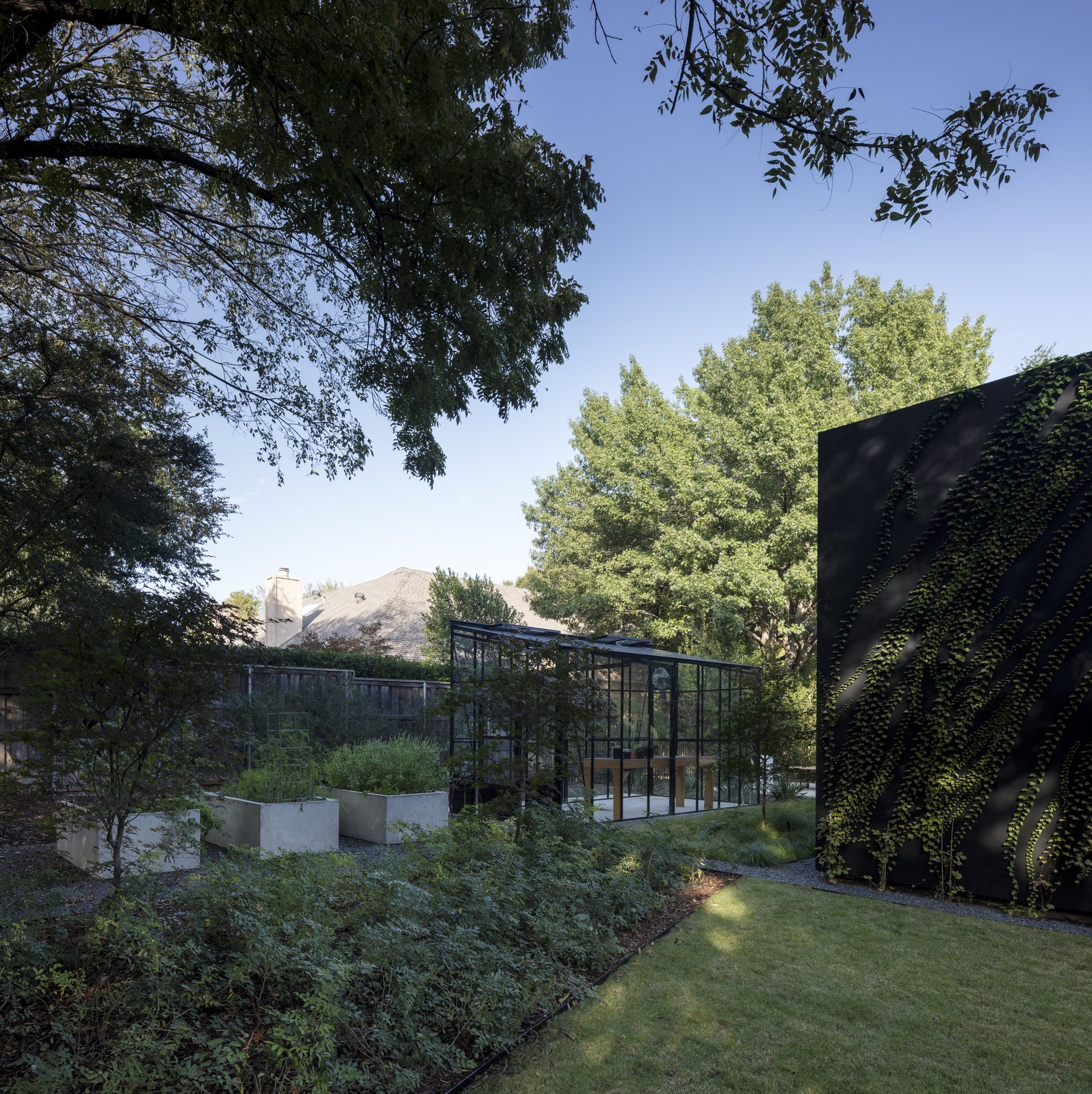 Outdoor, Flowers, Landscape, Shrubs, Grass, Vegetables, Garden, Gardens, Hardscapes, Decomposed Granite, Concrete, Small, and Trees Garden and greenhouse  Best Outdoor Flowers Garden Photos from The Winnwood Residence