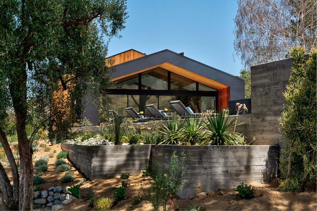 Outdoor, Front Yard, Hardscapes, Shrubs, Side Yard, and Trees Saddle Peak Residence by AUX Architecture  Photos from Saddle Peak Residence