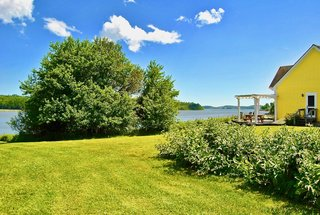 Featherbed Island House. Bayfront Vacation Rental