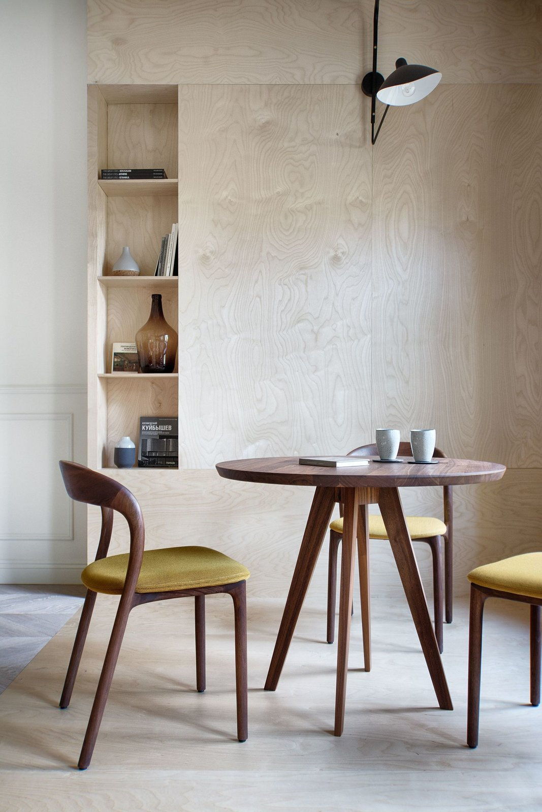 The dining area in INT2 architecture's Saint Petersburg Apartment