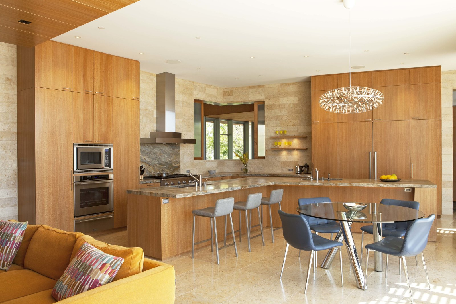 Kitchen Kitchen and breakfast nook  Observatory House by Safdie Rabines Architects