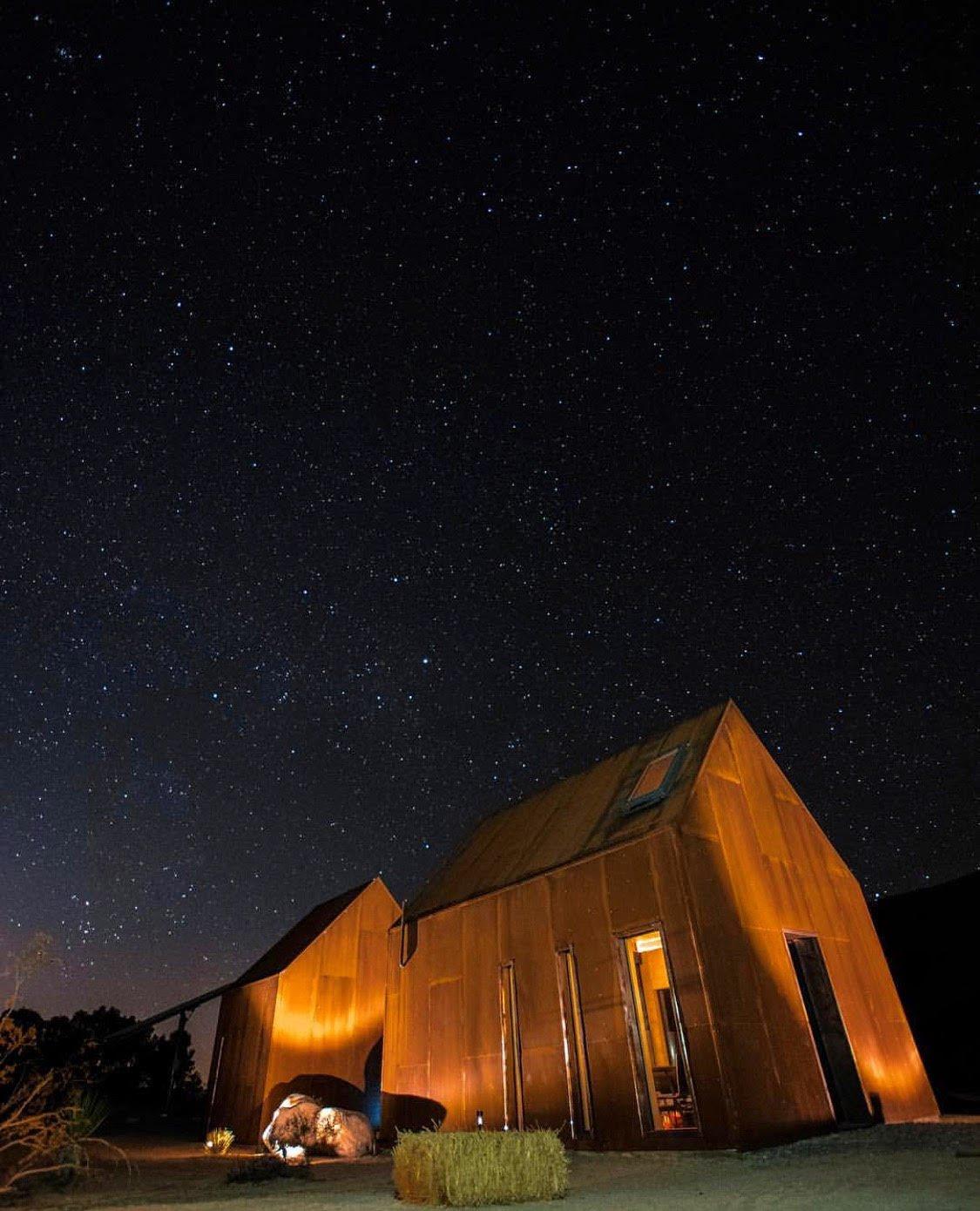 Exterior Exterior at night  Folly | Off Grid by malek alqadi