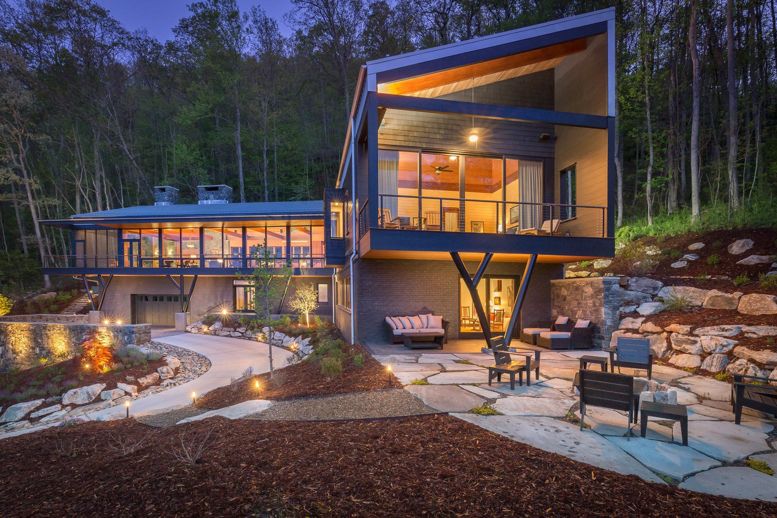 Mountainside House Modern Home in Asheville, North ...