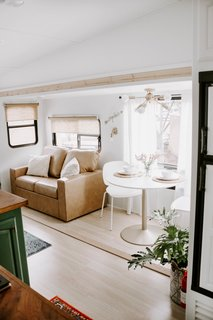 By combining a carefully chosen selection of items from Home Depot, Walmart, Target, Lowes, and IKEA with vintage and designer accessories, the couple have managed to infuse a variety of styles into the camper, while staying within their budget.