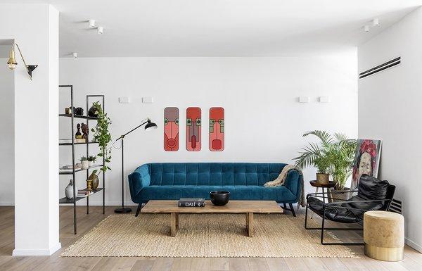Living Room Area Interior Design,  Loving the Velvet couch