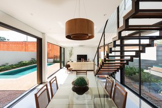 Living room space, integrated between a horizontal relation of external areas.