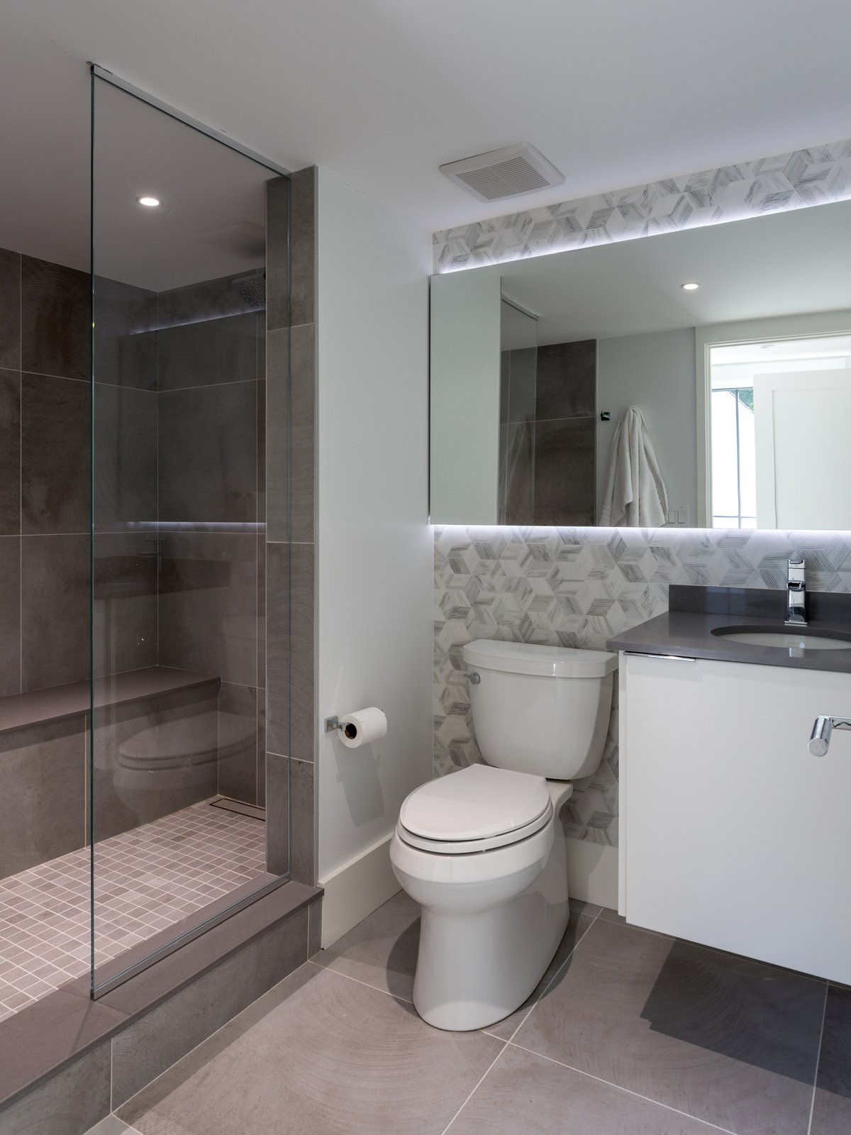 Bath, Accent, Ceramic Tile, Porcelain Tile, Engineered Quartz, Wall, Porcelain Tile, Ceiling, Drop In, Enclosed, and One Piece Bathroom  Best Bath Drop In Enclosed Ceramic Tile Porcelain Tile Photos from New Canaan Home