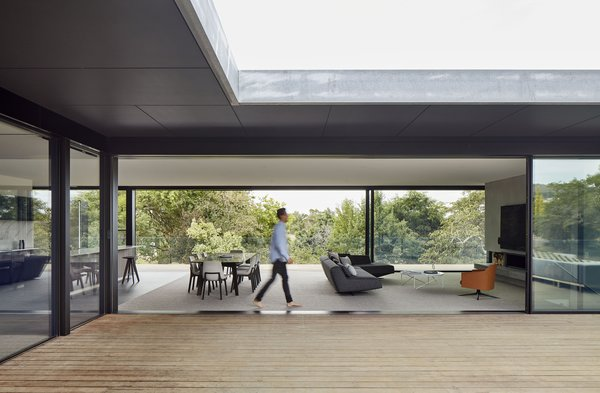 The sprawling residence opens itself up to the garden at every opportunity, allowing for a breezy outdoor connection.