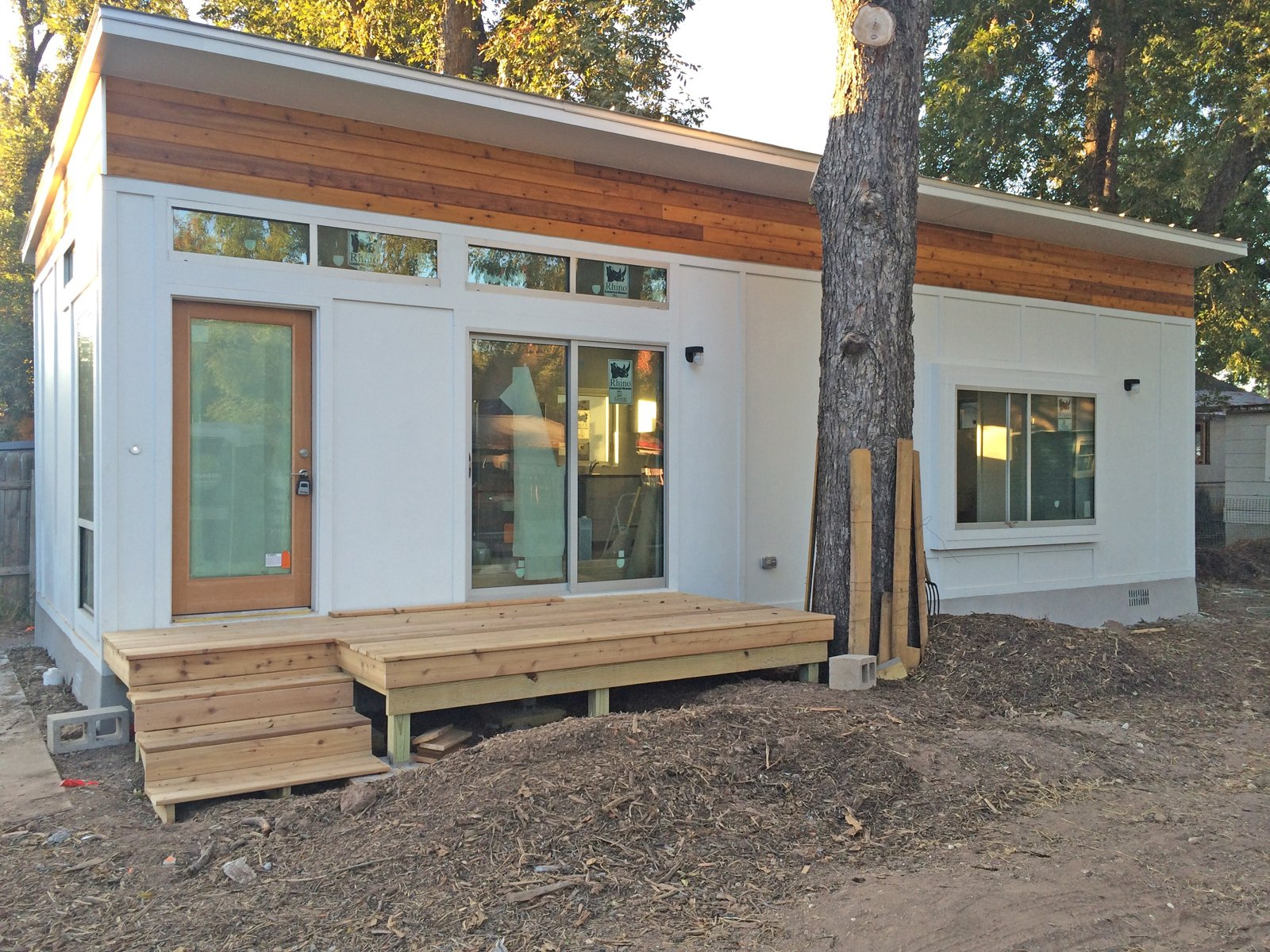 """At 550 square feet, Ma Modular's """"Grand Ma"""" model is one of the larger modular homes under $200K on our list. Prices vary—modular home prices in Texas for this model are $225 per square foot, bringing the Grand Ma to about $124,000. Modular home prices in Pennsylvania for the same model are somewhat less, at $118,000. Finally, to own the Grand Ma in Florida, you'll pay about $107,000."""