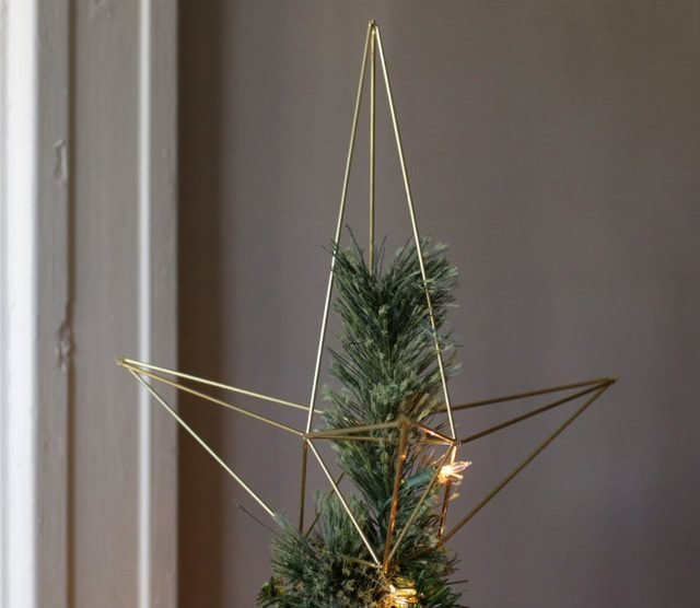 Sophisticated Christmas Tree: Photo 12 Of 17 In 16 Modern Christmas Decorating Ideas