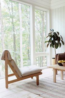 Nature takes a center stage in this pared-down dwelling.