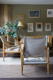 A kind Vällingby resident even invited us inside her home—a midcentury terrace house—to take a peek!
